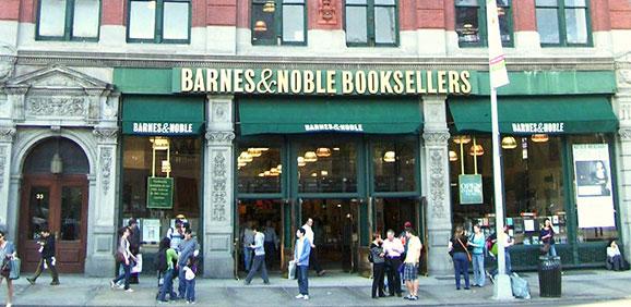 barnes__noble_union_square_nyc-12
